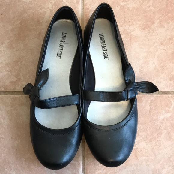 883eeb9385bbf Cute Mary Janes in black leather, flats, size 11